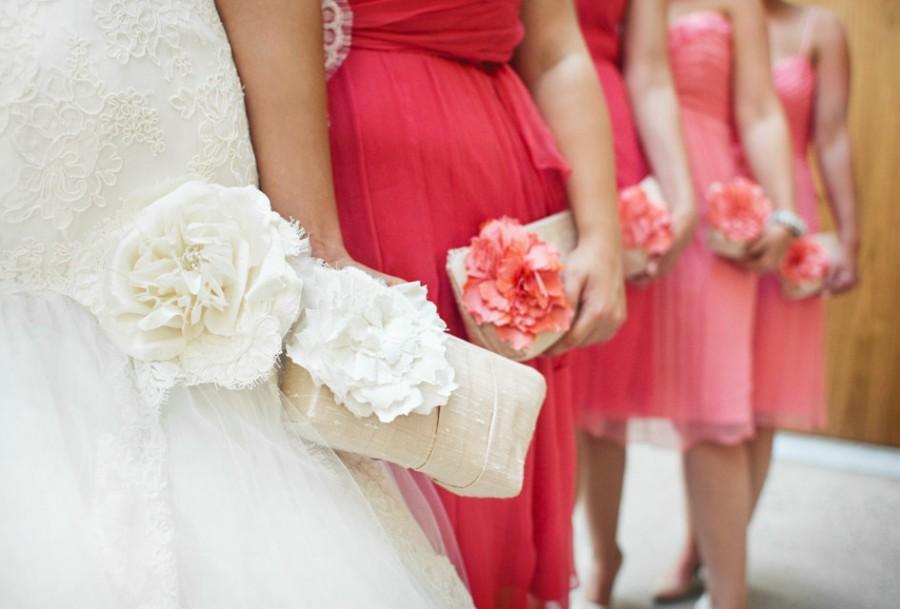 Hochzeit - Coral Wedding. Champagne Wedding Clutch. Bridesmaids Gifts. Wedding Gift. Bridesmaids Clutches. Gift for Her. Coral Pink Wedding. Blush Pink
