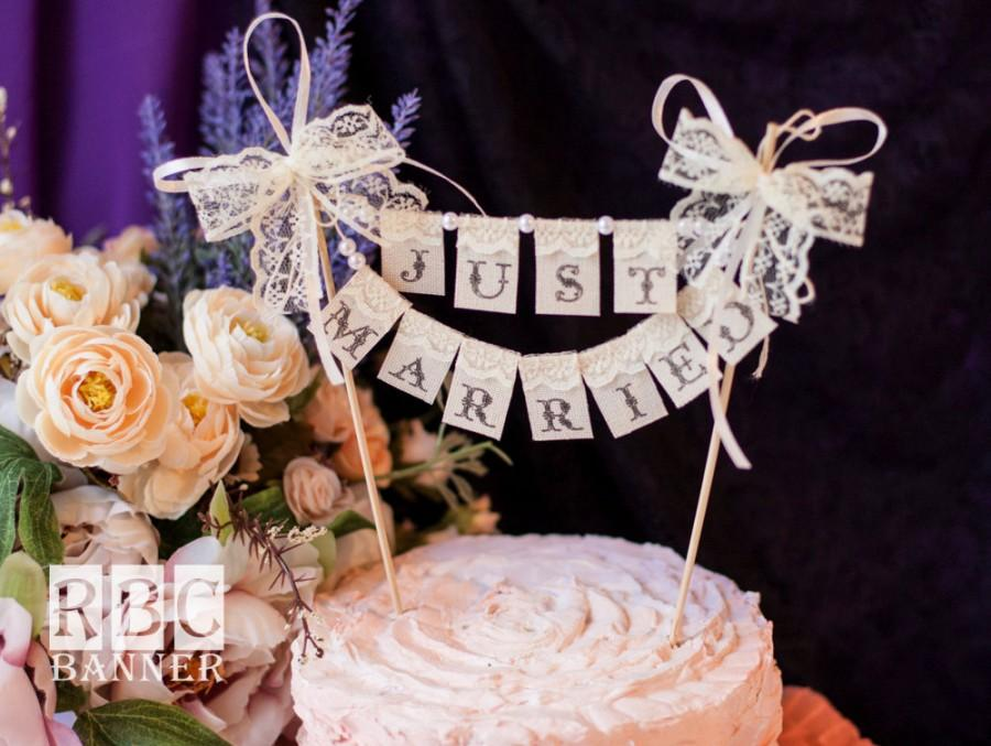 Свадьба - JUST MARRIED Cake Banner Topper, Pearls and Lace, Wedding Cake Topper Banner, Topper Cake lace Banner, Just Married Vintage Banner