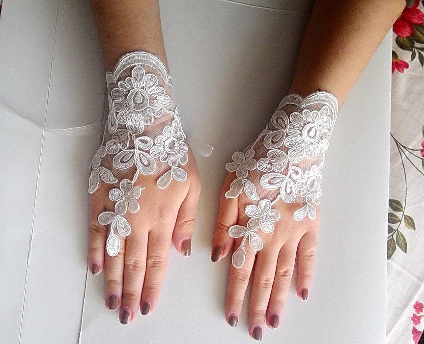 Hochzeit - Floral bridal gloves, Ivory wedding gloves, ıvory fingerless gloves, lace fingerless gloves,