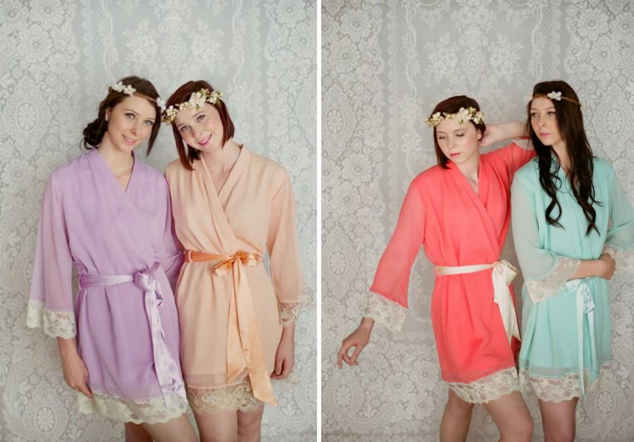 Mariage - 4 custom lace trimmed chiffon robes in a knee length. Bridesmaids robes and bridal robes in soft pastels.