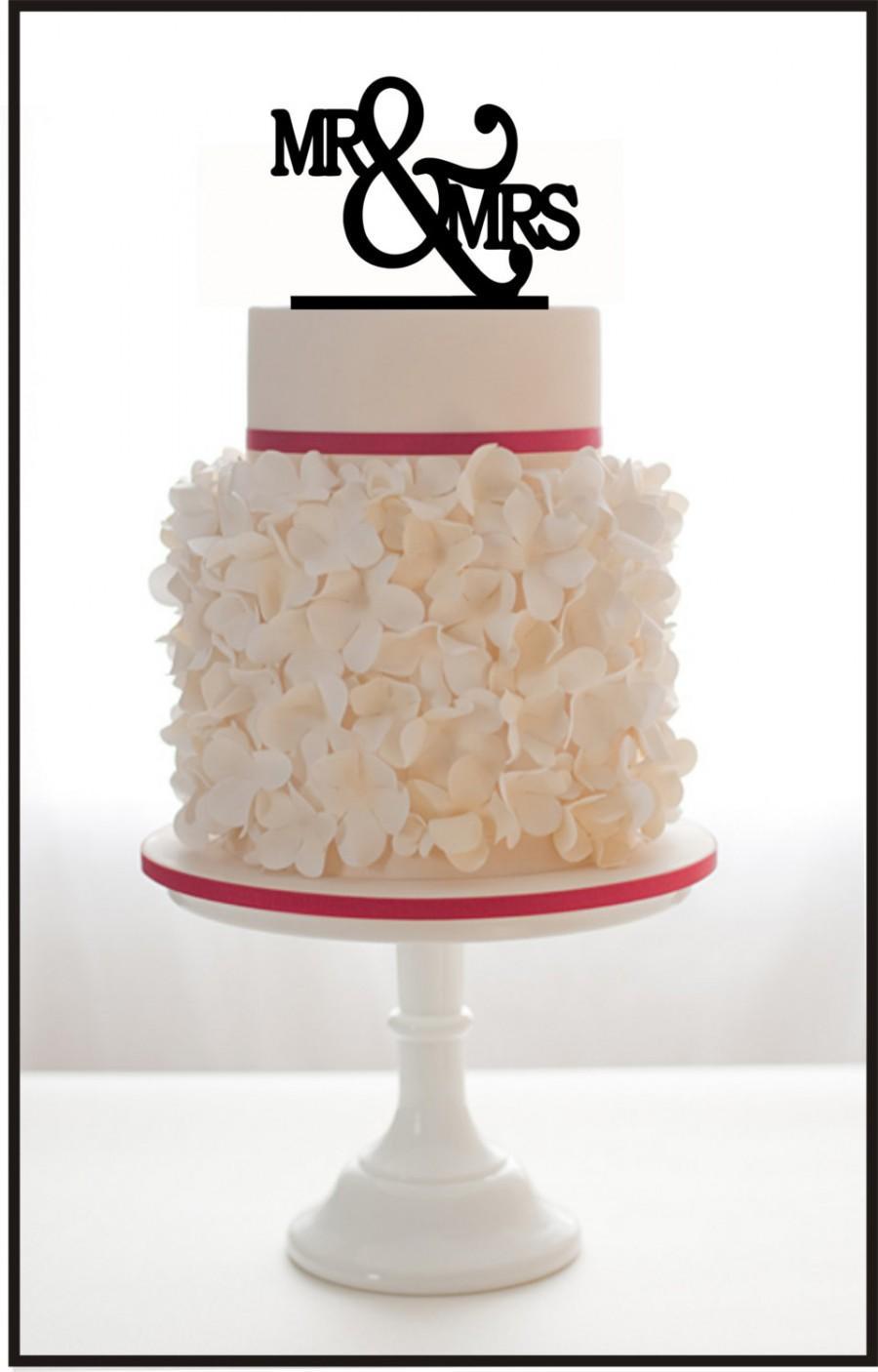 زفاف - Custom Wedding Cake Topper Mr & Mrs with choice of color and a FREE base for display