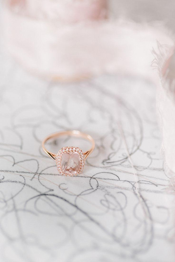 Mariage - Surprisingly Gorgeous Rose Gold Engagement Rings
