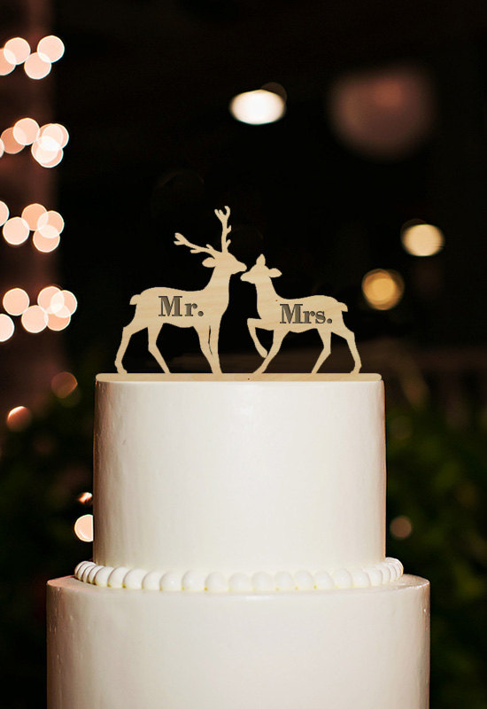 Hochzeit - Wedding Cake Topper,Engraved Mr Mrs Cake Topper, Mr Mrs Wedding Cake Topper, Deer Cake Topper, Wooden Cake Topper, Rustic Cake Topper