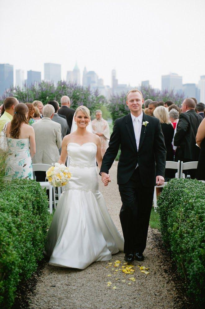 Mariage - Sophisticated   Contemporary NYC Skyline Wedding