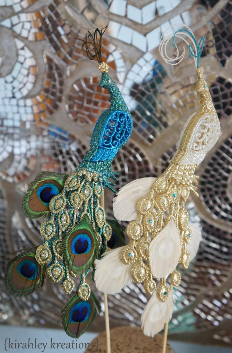 Свадьба - PEACOCK Wedding Cake Toppers Glittery Iridescent Green Teal White Gold Pair of Birds Feathers Herl Swarovski Crystal Rhinestone Customizable