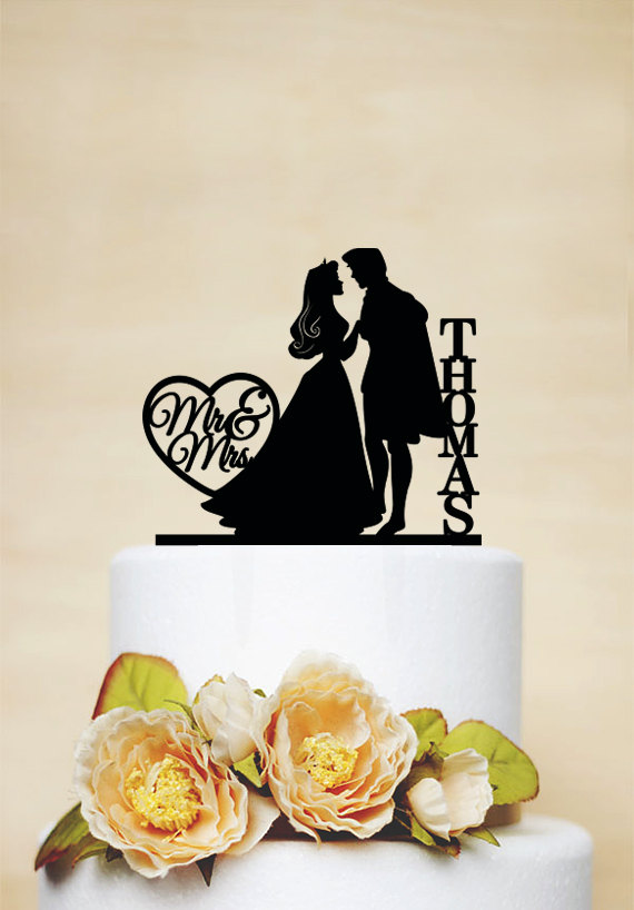 Свадьба - Sleeping Beauty And Prince Cake Topper,Wedding Cake Topper With Last Name,Custom Cake Topper,Funny Cake Topper,Personalized Topper C097