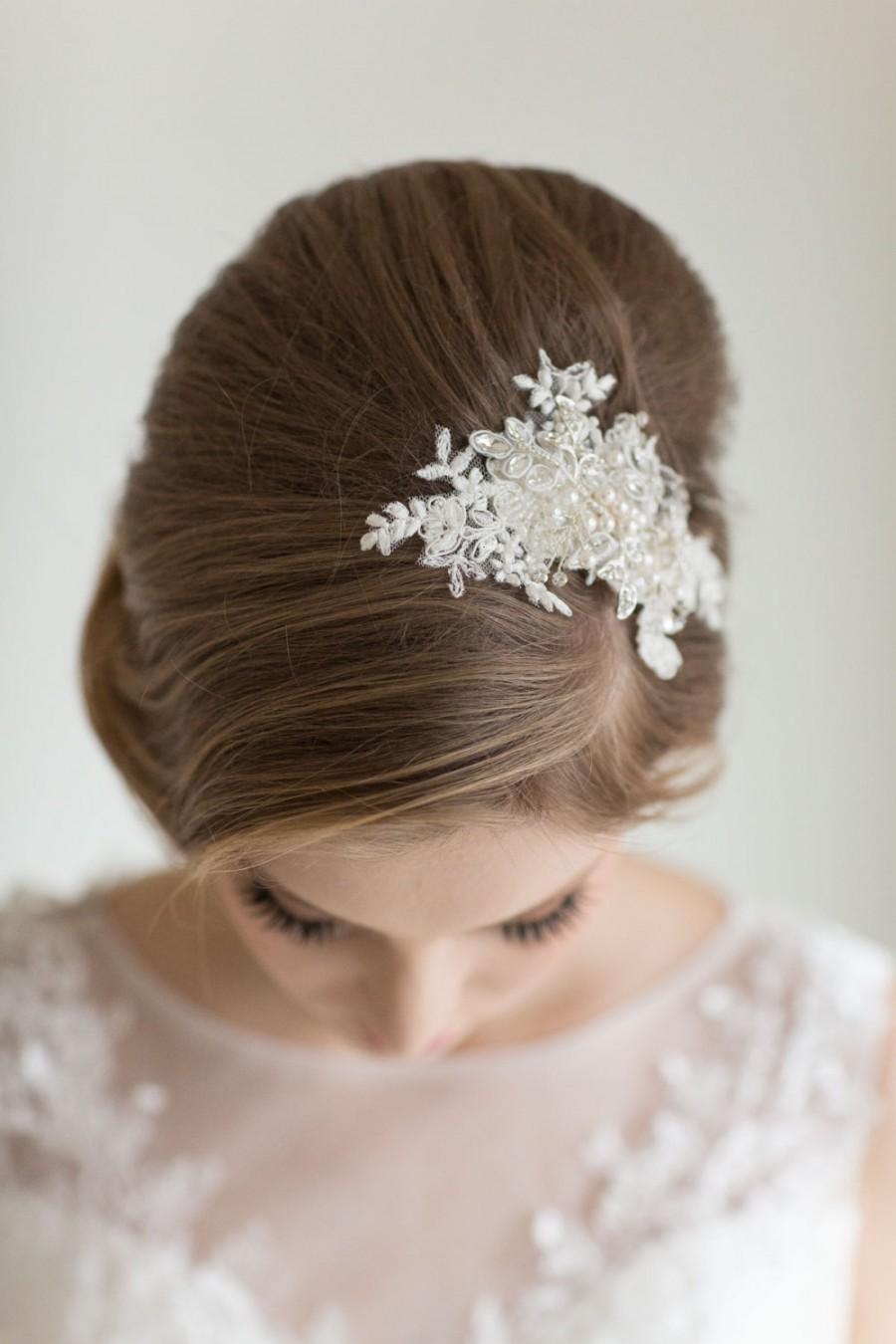 Свадьба - Bridal Lace Hair Comb, Wedding Headpiece, Bridal Lace Fascinator, Ivory Beaded Comb