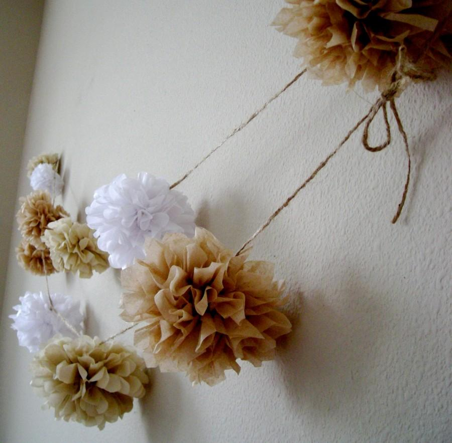 Свадьба - NEUTRALS ... diy tissue paper pom garland // rustic wedding decorations // nursery decoration // birthday party decorations