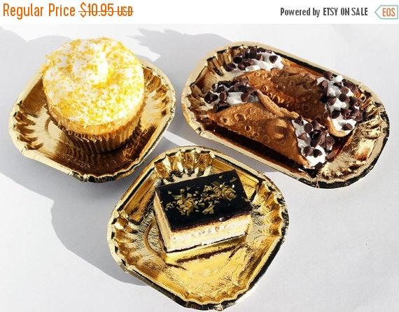 Свадьба - BLING SALE Paper Plates, 50 Gold Foil Mini Plates, Gold Paper Plates, Wedding Dessert Plates, Hors d'oeuvres Plates, Gold Dessert Plates, Pa