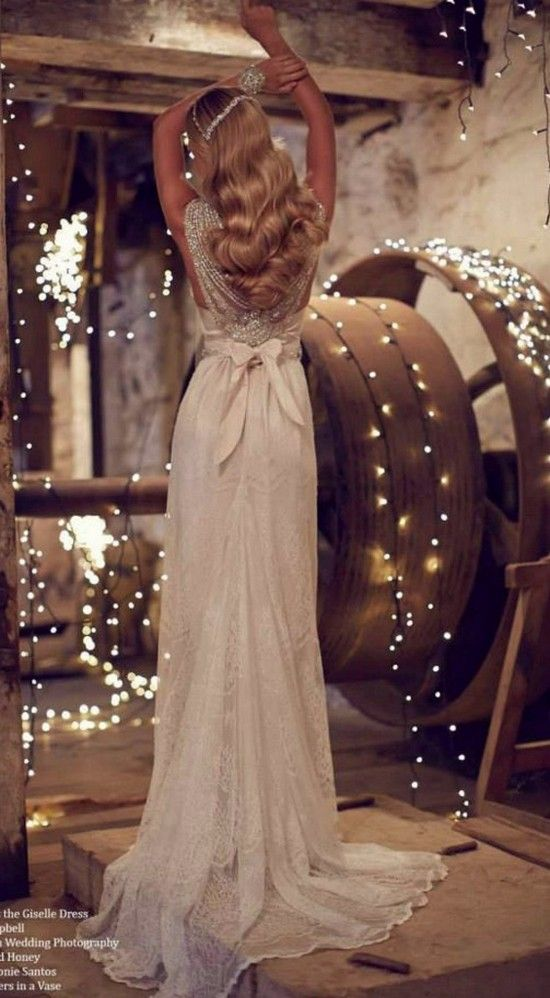 Свадьба - Top 20 Beach Wedding Dresses With Gorgeous Details