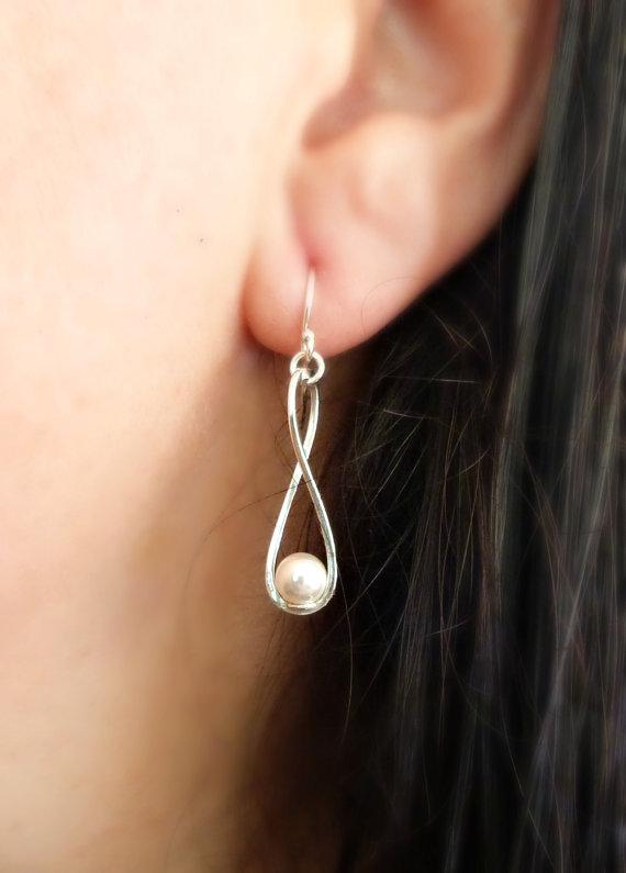 Свадьба - Infinity Pearl Earrings Bridesmaid Gift Bridal Jewelry Wedding Jewelry Pearl Earrings Bridesmaid Gifts Romantic Jewelry