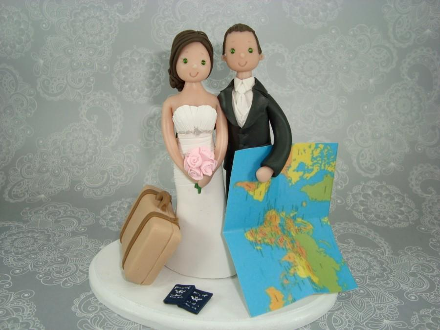 Mariage - Bride & Groom Personalized Travel Theme Wedding Cake Topper