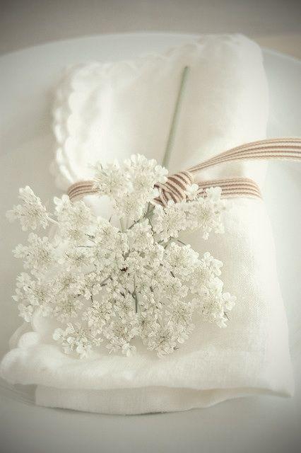 Mariage - 名前もかわいい小さな白い花。baby's Breath(カスミソウ)