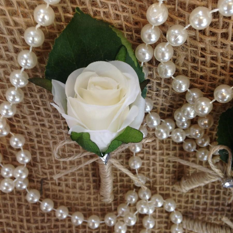 Mariage - Beautiful Vintage Inspired Silk Rose Button Hole.