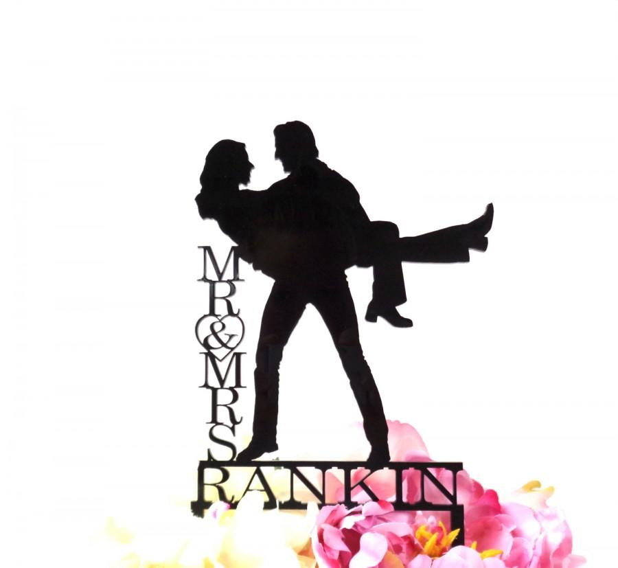 Mariage - Silhouette WEDDING CAKE TOPPER Personalized Monogram Last Name Silhouette Wedding Cake Topper Bride and Groom Cake Topper