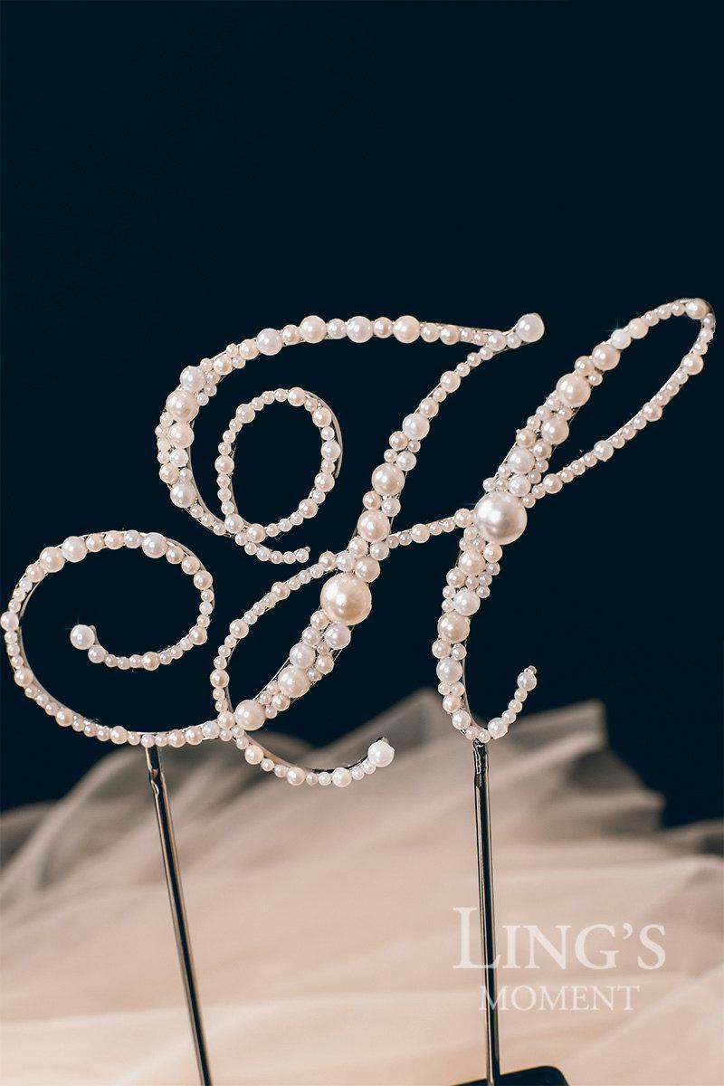 Hochzeit - Vintage Pearl Personalized Monogram Cake Topper Wedding Cake Decoration