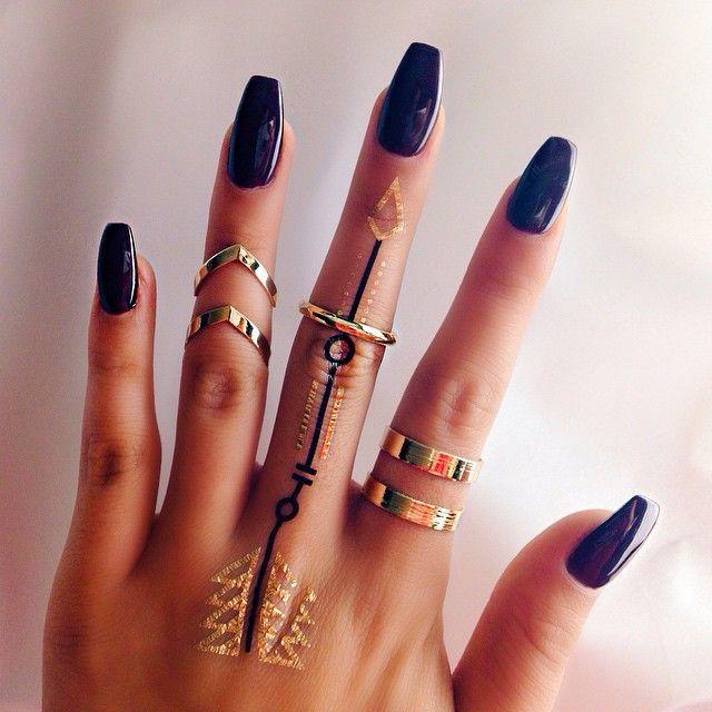 زفاف - 30 Awesome Finger Tattoos That Will Subtly Add Creativity To Your Life