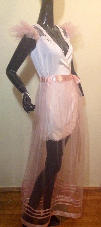 Mariage - free shipping .Bridal Lace Robe, Wedding robes, Blush Pink Wedding Robe. silk Robe , transparent Robe.