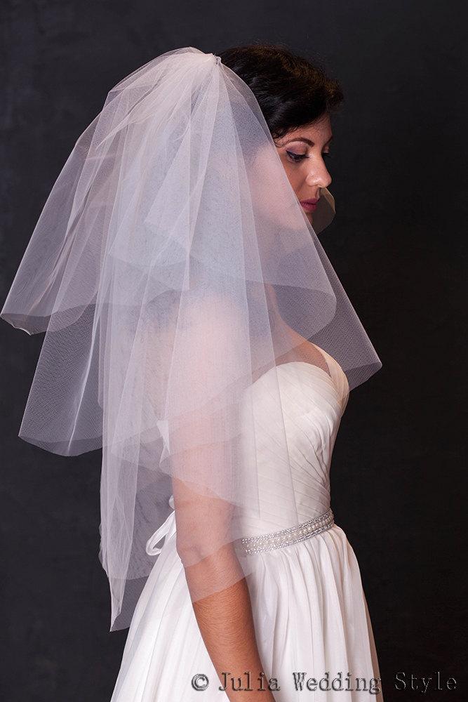 Mariage - Ivory wedding vei,Bridal veil with cut edge,Waist length tulle veil,l,bridal veil wedding,4 tier veil,modern veil,bridal illusion tulle,veil