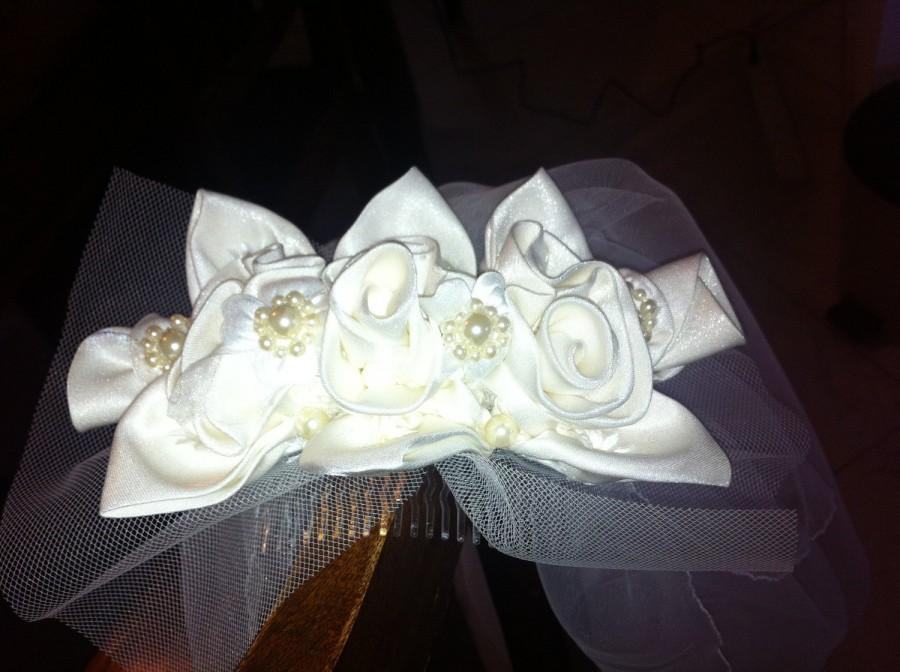 Hochzeit - Bridal Hair Clip, may attached to a veil