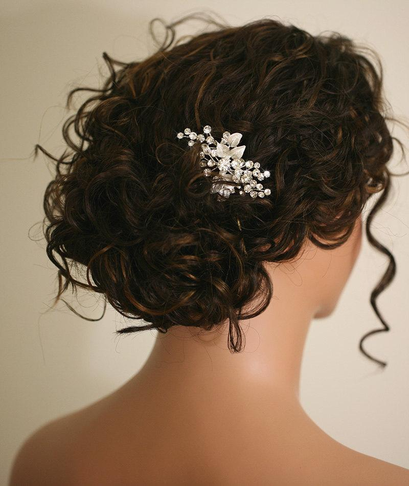 Wedding - Gold bridal hair comb, pearl and flower wedding comb, wedding hair accessory, bridal headpiece