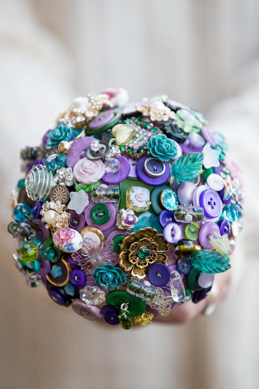 Hochzeit - Button and brooch bouquet  'trinket box' purples and greens