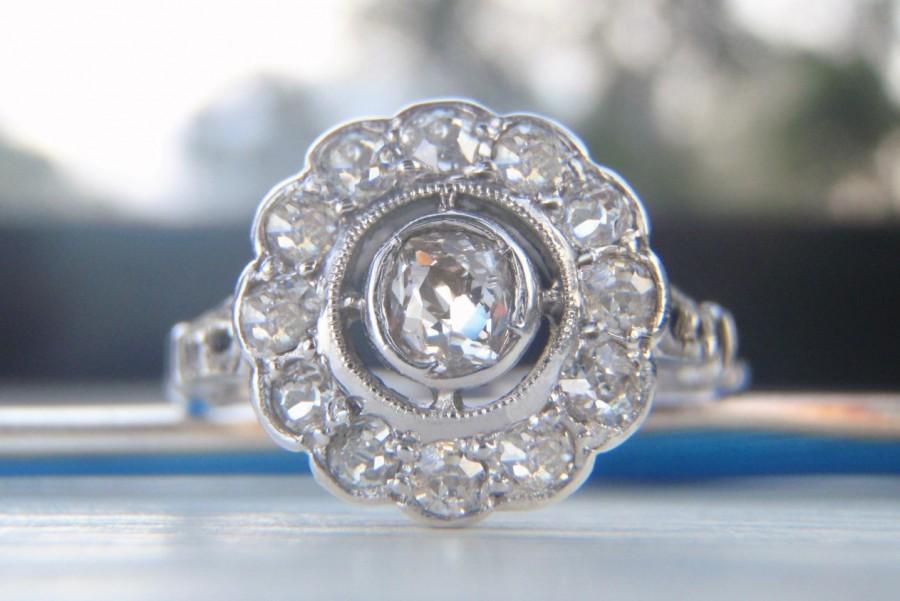 زفاف - Delightfully Elegant Vintage Old Mine Diamond Engagement Ring. Quality Platinum & White Gold. Such A Pretty Ring!