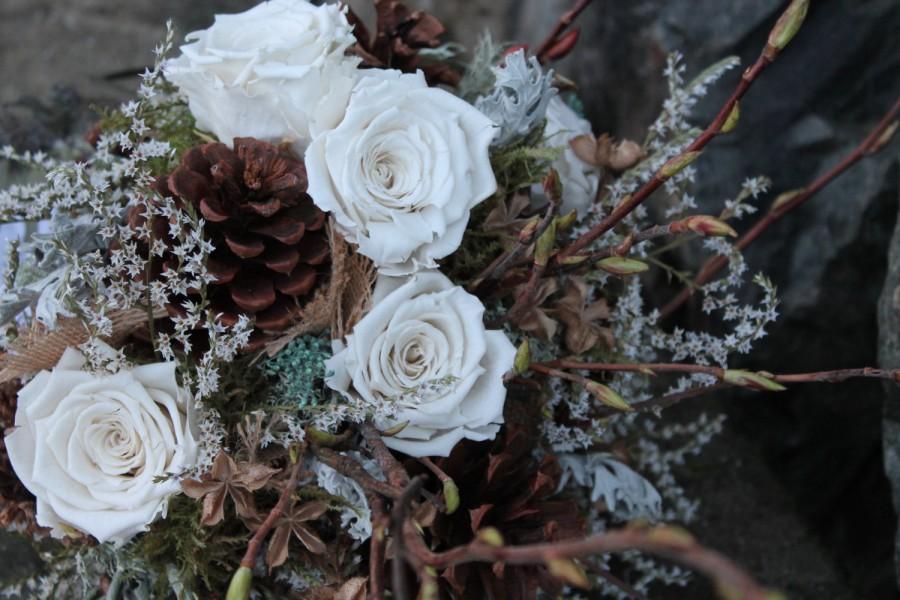 Свадьба - custom dried bridal bouquet, dried flower bouquet, pinecone bouquet, woodland bouquet, winter bridal bouquet, ponderosa pinecone, white rose