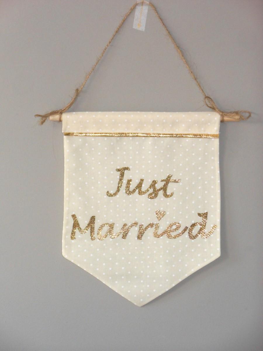 Hochzeit - Small Wedding Banner - Wedding Banner - Just Married - Fabric Banner