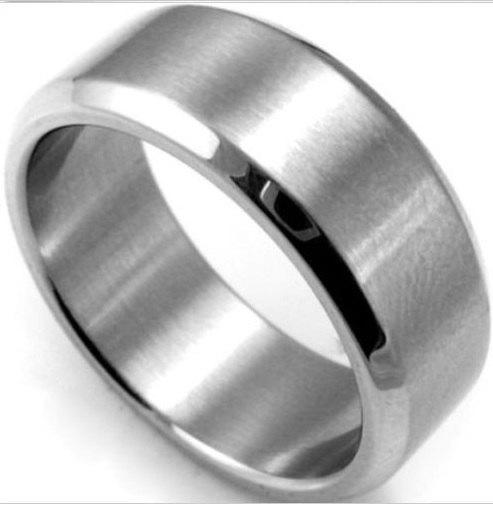 Mariage - Men's 8mm Tungsten Carbide SILVER Wedding Band Engagement Ring Gunmetal Brushed Biker Ring