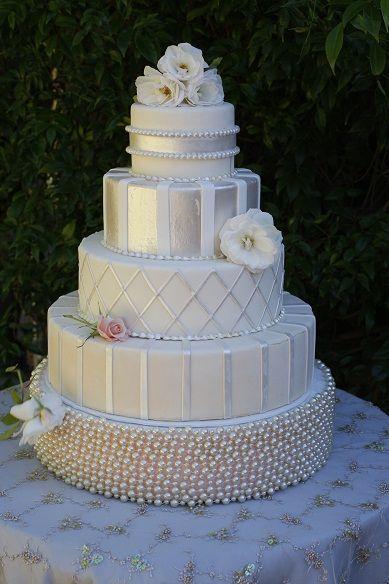 Свадьба - White & Cream Wedding Cakes