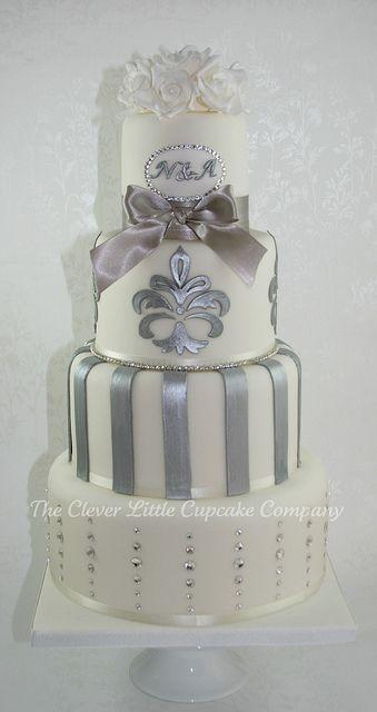 Свадьба - WEDDING CAKES ELEGANT WHITE CREAM ENS