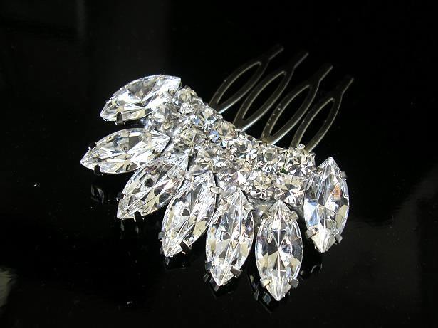Mariage - BRIDAL hair comb ,vintage style ,wedding hair  ACCESSORIES ,head piece Swarovski  Crystal  Glamour sparkle Rhinestones ,