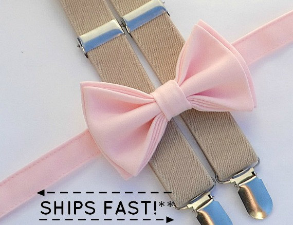 Mariage - Light Pink Bow Tie & Tan Suspenders -- Ring Bearer Outfit -- Boys Wedding Outfit
