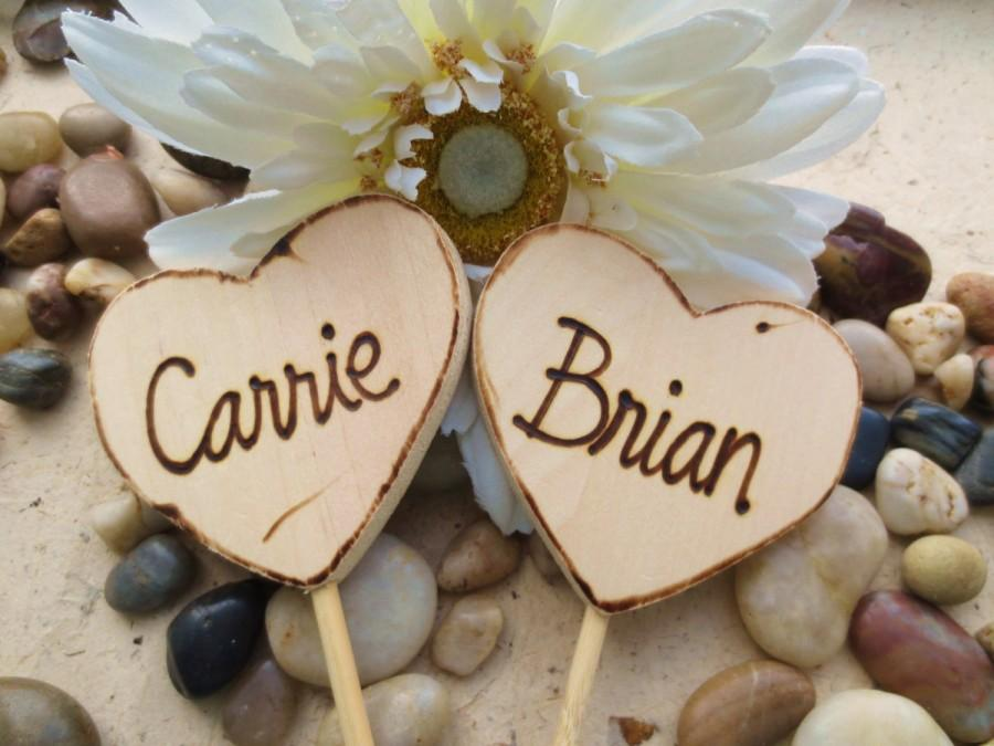 Mariage - Wedding or Engagement Cake Toppers Personalized with YOUR Names on Each Wood Heart Rustic Chic