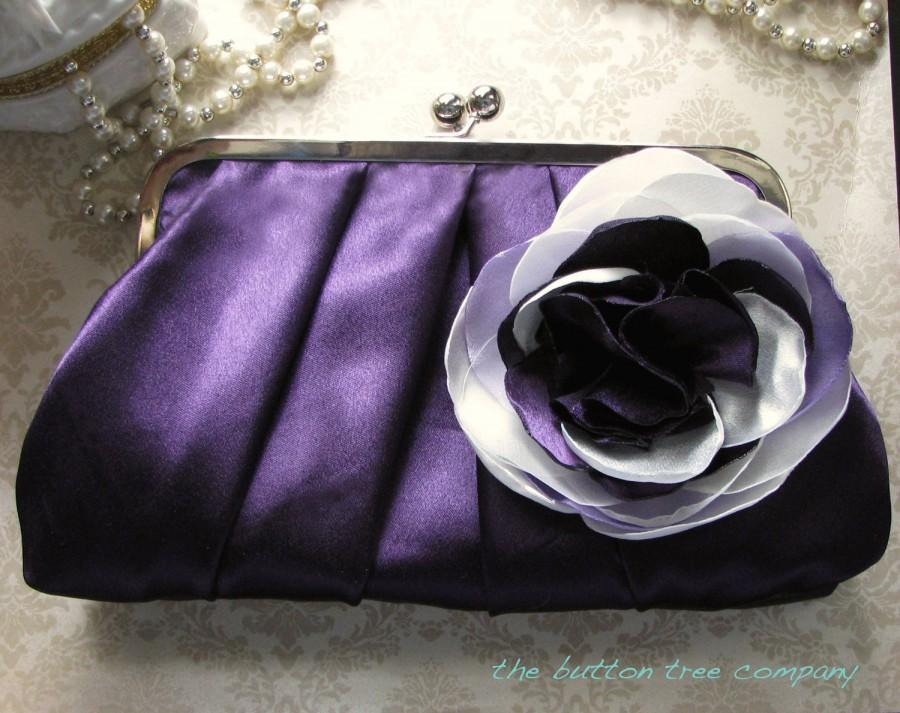 Mariage - Purple Bridal and Bridesmaid Clutch Purse with Ivory, Lavender, and Purple Flower- Custom- Pleated