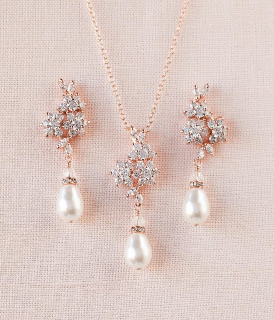 Mariage - Rose Gold Bridal Necklace, Rose Gold Wedding earrings, Pearl Wedding jewelry, Swarovski, Pendant, Bridal jewelry, PIPER Jewelry SET