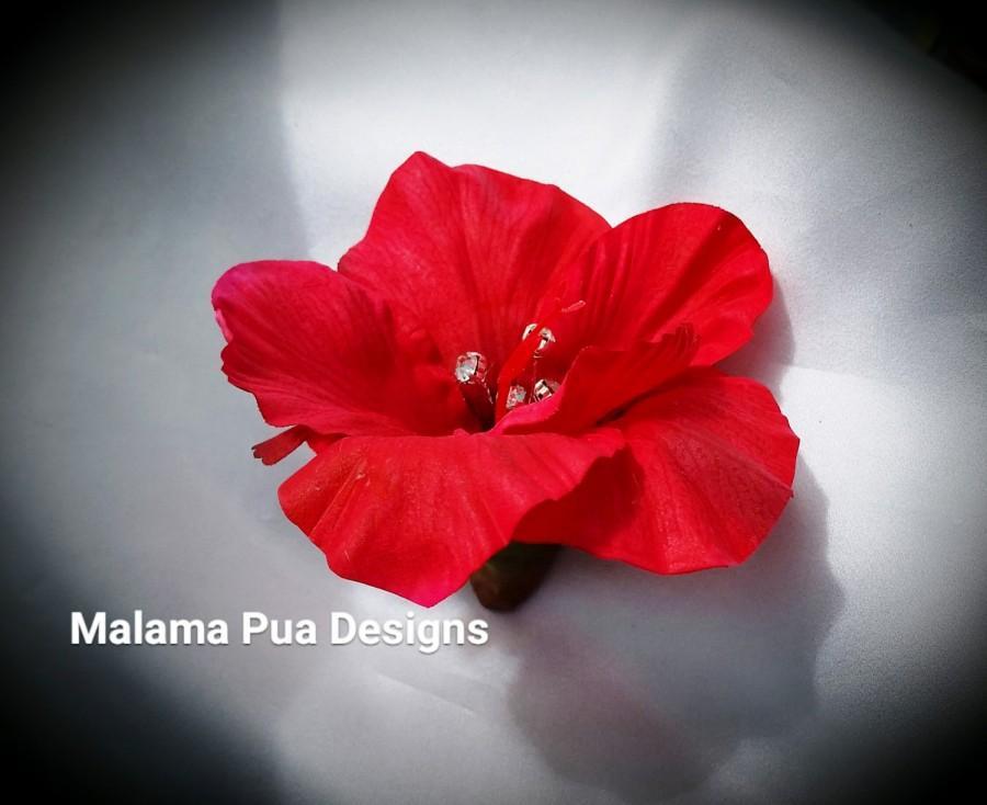 "Hochzeit - HIBISCUS HAIR Clip - ""Real Touch"" flower, Red Hair flower, Bridal Clip, Headpiece, Silk Flowers, Hawaiian, Crystal Center, Beach Wedding"
