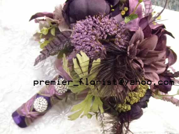 زفاف - 21 piece Purple Bridal Bouquet Wedding Flower Set. (1) Bride and (3) Maid Bokay (6) Corsage (10) Boutonniere. Aubergine Plum Eggplant Green.