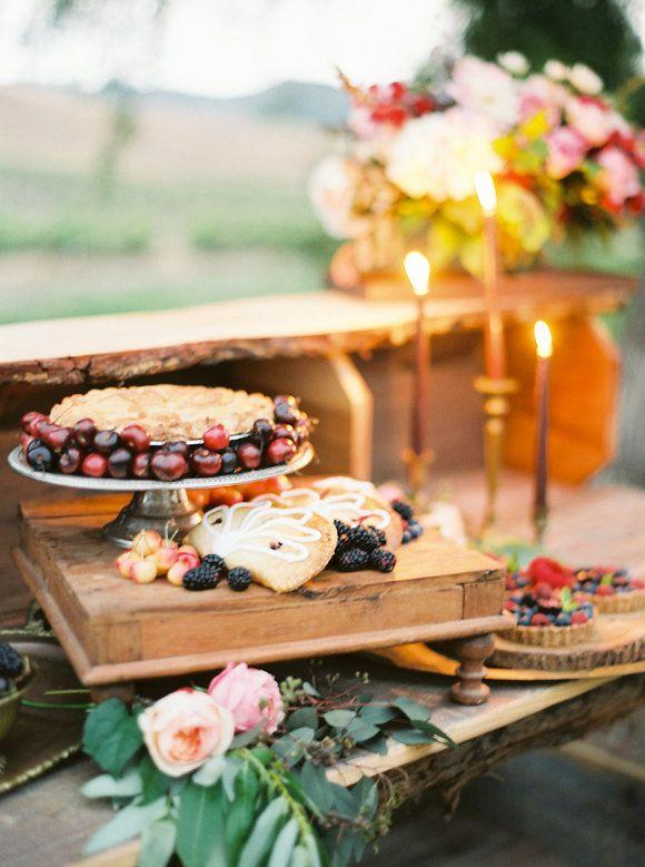 Свадьба - Organic Fall Wedding Ideas On The Ranch - Magnolia Rouge