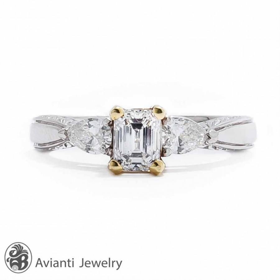 Mariage - Ring, Vintage Platinum and Gold Diamond Engagement Ring, Platinum Engagement Ring, Engagement Ring with Emerald Cut Diamond