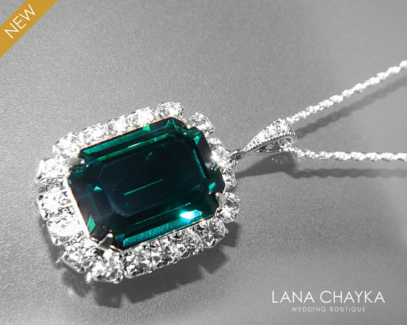 Mariage - Emerald Green Halo Crystal Necklace Swarovski Rhinestone Large Pendant Wedding Dark Green Necklace Emerald Silver Octagon Bridal Necklace