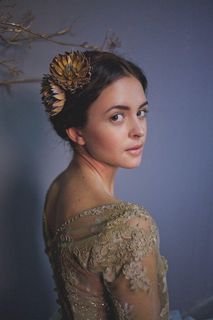 Hochzeit - Metallic & Glittering Gold Headpieces   Veils