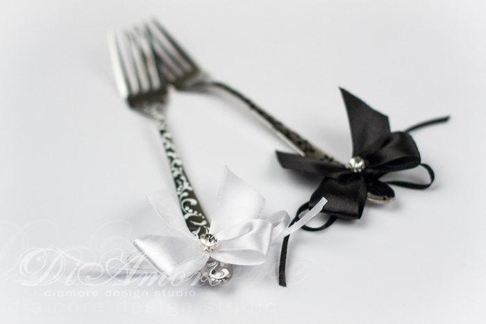 Свадьба - LACE Black & White wedding forks, Table Setting / classic wedding / unusual fork