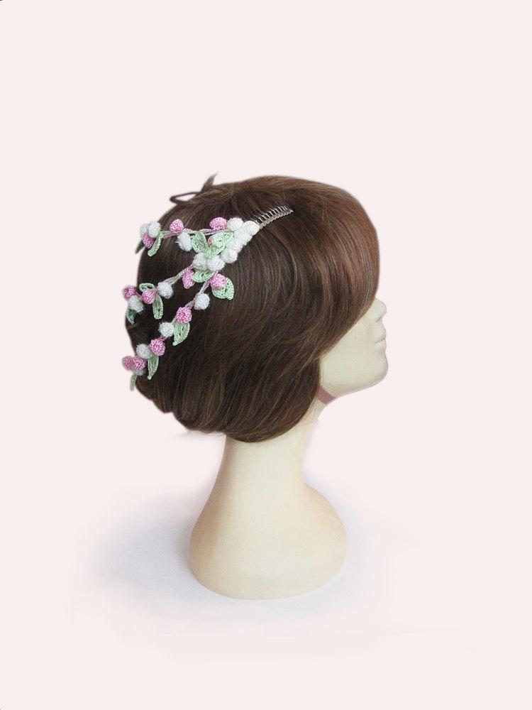 Свадьба - White pink Flowers hair comb, blossom flowers hair comb, wedding hair accessories, Bridal hair comb,hand crochet jewelry,Bridesmaid Jewelry