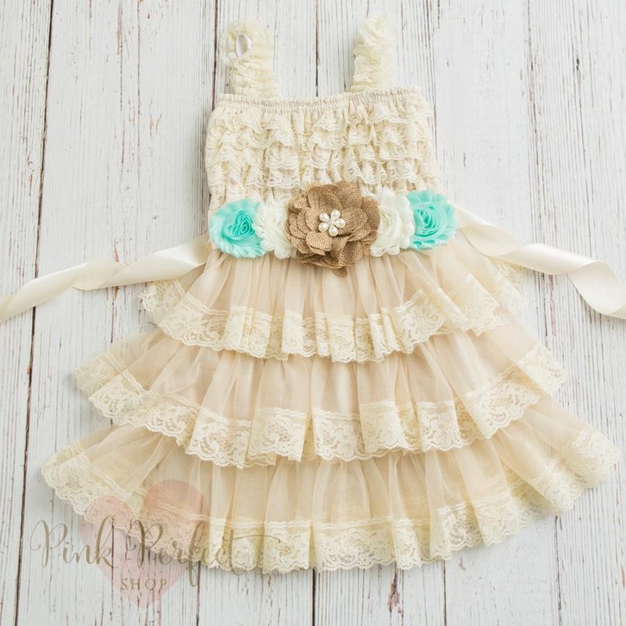 Свадьба - Burlap Flower Girl Dress, Country Flower Girl Dress, Lace Flower Girl Dress, Shabby Chic Flower Girl, Rustic Flower Girl Dress, Easter dress