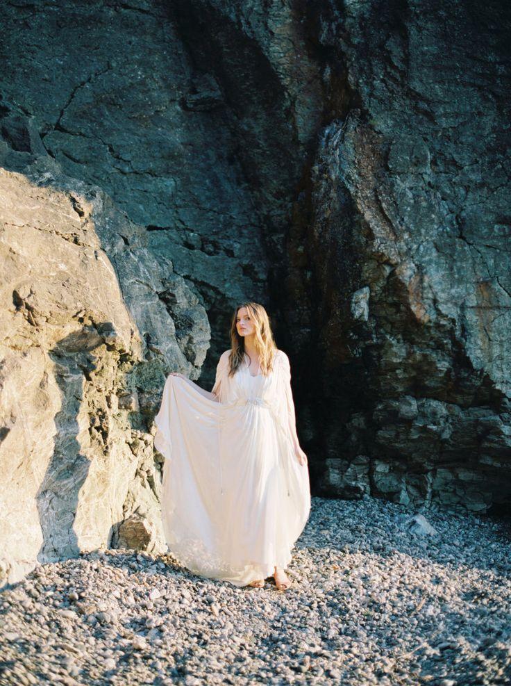 Wedding - Organic Black Rocks Beach Wedding Inspiration
