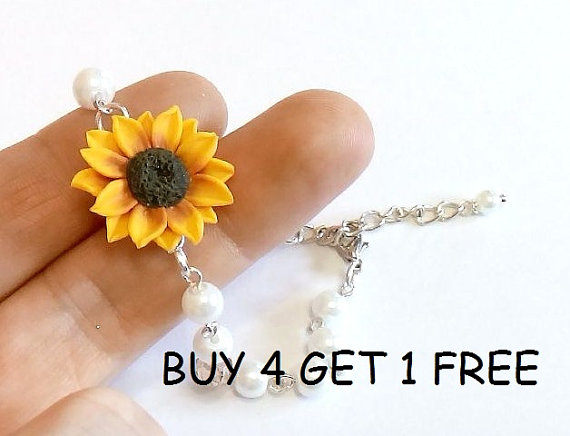 Wedding - Yellow Sunflower and Pearls Bracelet, Sunflower Bracelet, Yellow Bridesmaid Jewelry, Sunflower Jewelry, Summer Jewelry