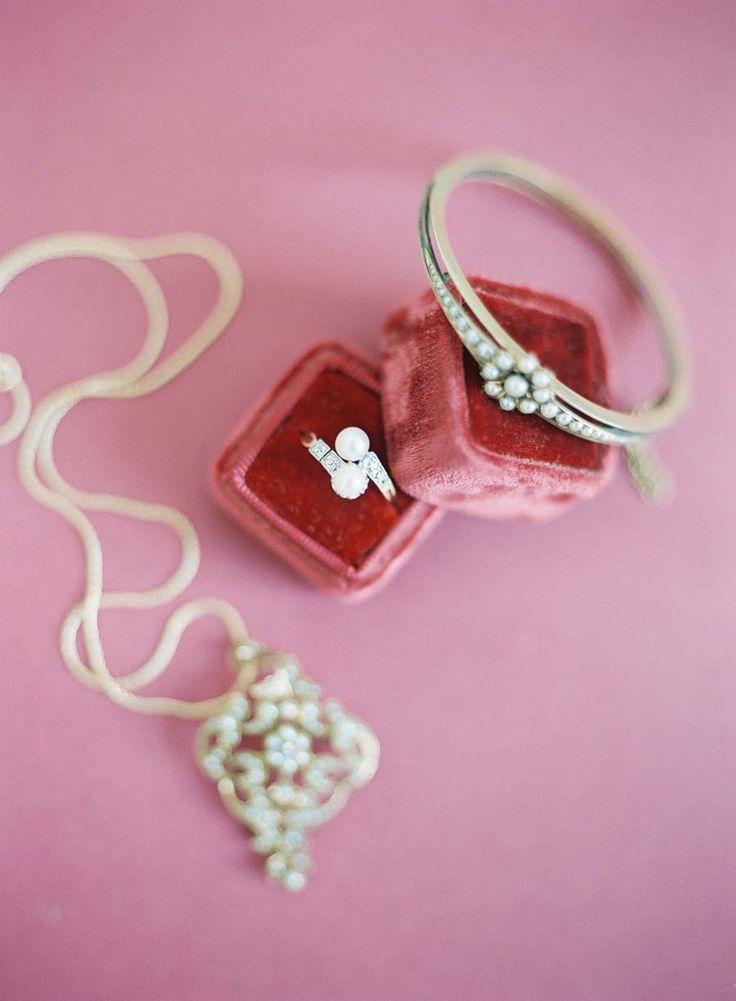 Mariage - Chic Valentine's Day Elopement Inspiration