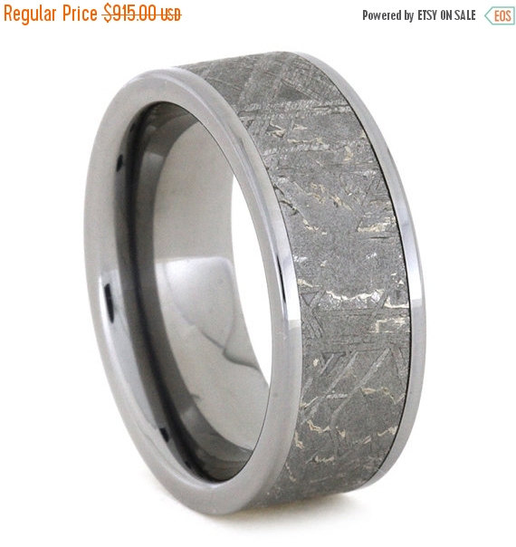 زفاف - Wedding Sale Meteorite Ring, Titanium Ring Meteorite Wedding Band, the Meteorite alone is 6mm wide showing fantastic Widmanstatten pattern